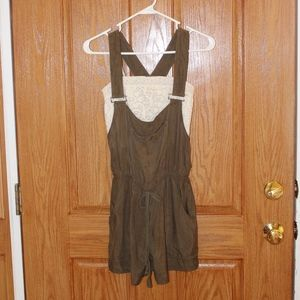 Honey punch olive green size small